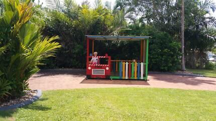Kids custom built play / cubby house