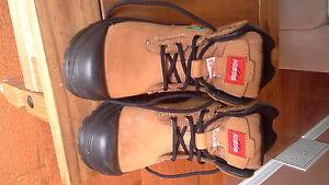 womans steel toe steel plate work boots - size 7