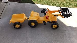 Kids ride on toy- CAT tractor and trailer