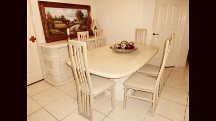 BEAUTIFUL MARBLE/STONE DINING TABLE GREAT CONDITION
