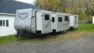 2014 Gulf Stream 372TBS KINGSPORT/ 3 SLIDE OUT/BUNK BED