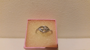 Women's genuine sterling silver ring brand new Roxburgh Park Hume Area Preview