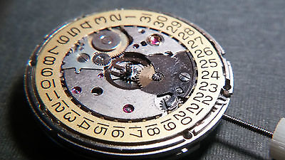Genuine ETA 2824-2 AUTOMATIC MOVEMENT, DATE 3H, NICKEL PLATED, SWISS MADE, NEW!