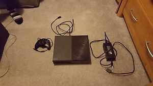 500GB XBOX ONE EXCELLENT CONDITION