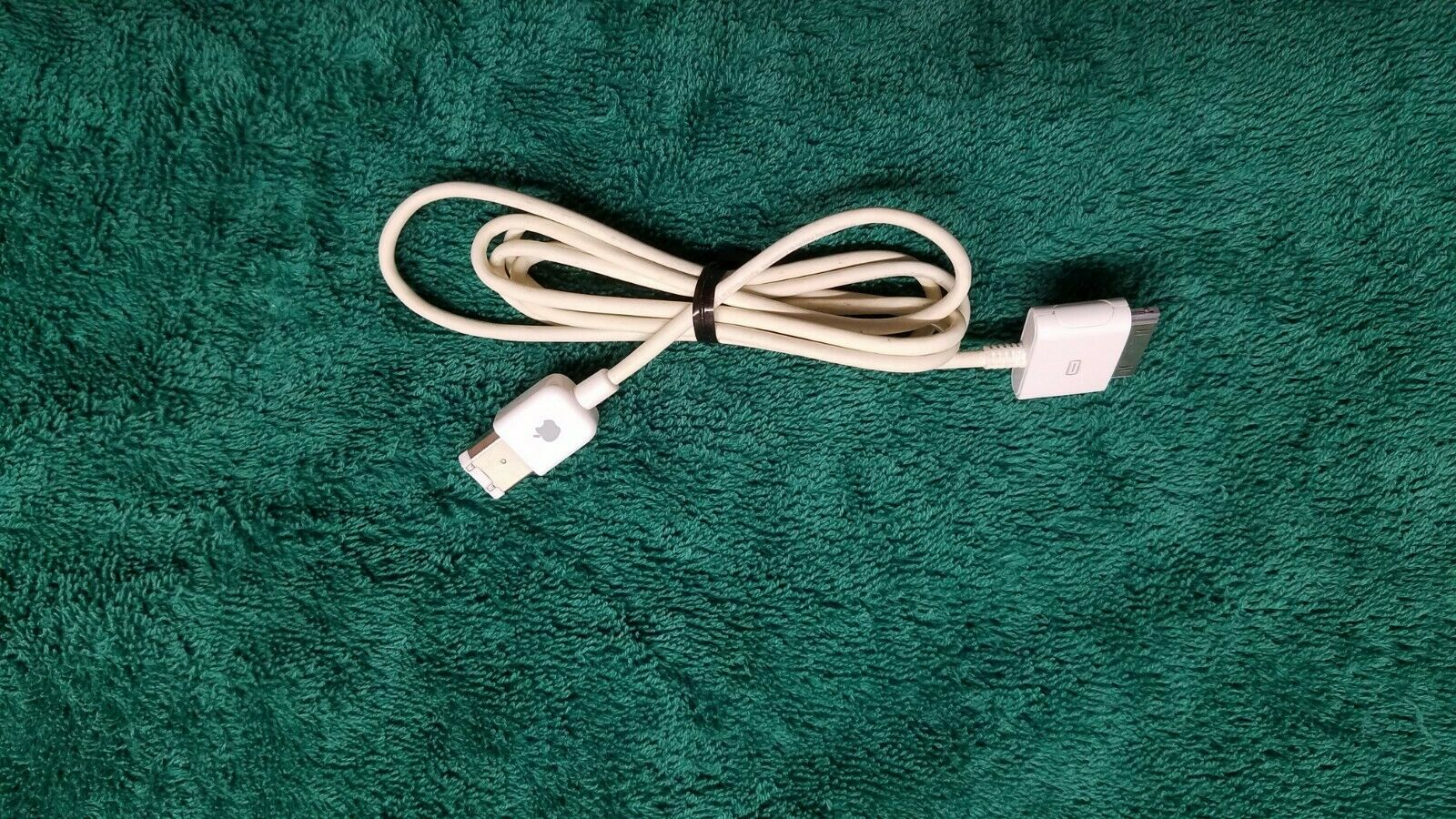 M9127LL/A APPLE ORIGINAL FIREWIRE 400 30-pin Ipod Classic Dock Connector Cable - $13.00