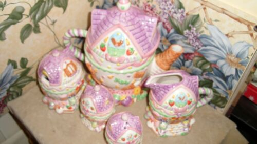 7 Pc Set China Ceramic Tea Set Teapot salt pepper Easter Bunnies