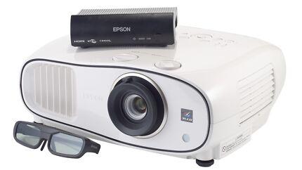 Epson TW6600W Full-HD wireless projector