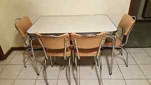 Retro dinning table St Albans Brimbank Area Preview