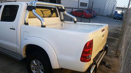 Toyota Hilux Dual Cab SR5 Tub