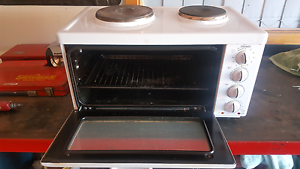 AMAZING stove and oven Bossley Park Fairfield Area Preview