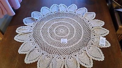 HANDMADE CROCHETED WHITE 26 INCH ROUND TABLECLOTH