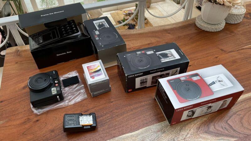Leica Sofort Instant Camera (BRAND NEW) Black