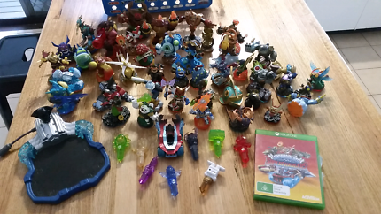 Xbox one skylanders superchargers game and figures