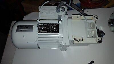 Lenze Motor Gearhead Gst04-2m-vbr 071-32 Mdemabr071-32  3-mot En60034 Wbrake
