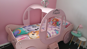 Little girls princess carriage single bed with mattress Wakerley Brisbane South East Preview