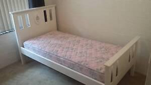 Single bed ,girls. Batemans Bay Eurobodalla Area Preview