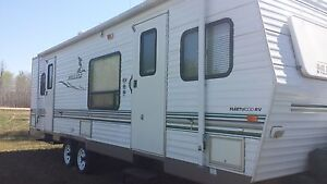 2004 30 foot Mallard by Fleetwood camper