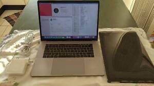 MacBook Pro 15 2018 i9 2.9GHz 6 Core, 2TB SSD, 32GB RAM, Vega 20 4GB