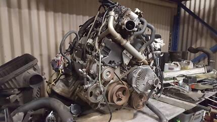 Nissian D40 2.5 liter motor