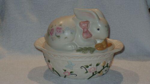 Pfaltzgraff Tea Rose Bunny Rabbit Covered Casserole Dish Basket Weave Jar