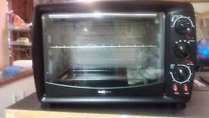 Electric benchtop oven with 2x hotplates Elizabeth Downs Playford Area Preview