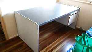 Large office desk East Mackay Mackay City Preview