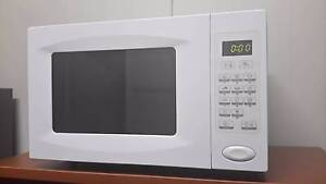 Microwave oven in great condition Highgate Hill Brisbane South West Preview
