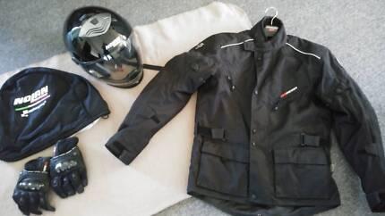 Near new 2013 Nolan N43E TRILOGY Helmet, Dririder jacket.