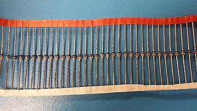 25 Pcs Byv28-600 Vishay Diode Switching 600v 3.5a 2-pin Sod-64 Ammo