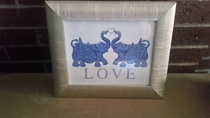 Love elephant picture frame