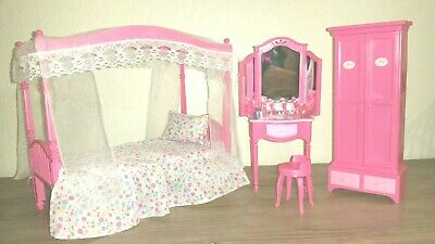 Barbie Size Dollhouse Furniture Deluxe Bed Room Lighting W/Bonus Doll