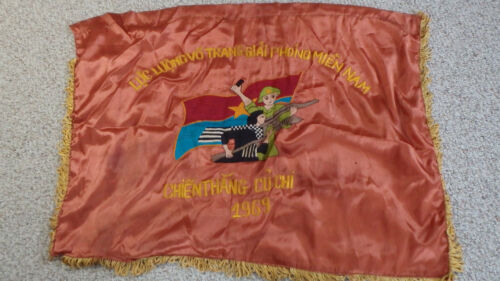 VIETNAM WAR VIET CONG BATTLE FLAG LIBERATING CU CHI 1969 VC TUNNELS  BX U