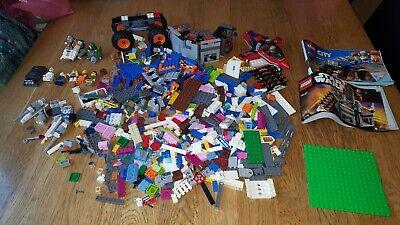 Lego 1.5kg mixed bundle plus 7 figures Good Condition