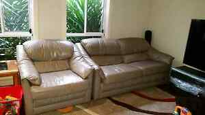 Urgent Moran leather lounge 2 seater and 2 armchairs Gowanbrae Moreland Area Preview
