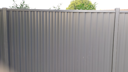 GD'S FENCING & RETAINING WALLS & GATES