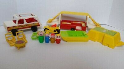 Vintage Fisher Price Little People Family Car/ Pop up Camper 992 Playset 1979