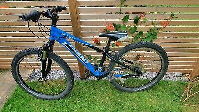 "Giant XTC 24"" mountain bike - great condition boys mountain bike"