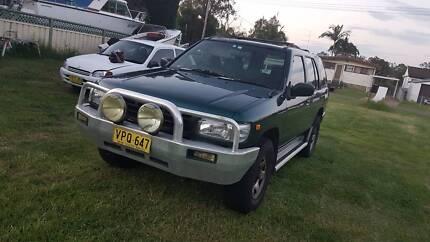 1997 Nissan Pathfinder Wagon - ****URGENT SALE****