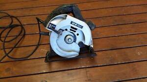 Ozito Circular Saw in Good condition.