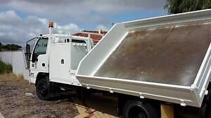 ISUZU NPR 400  4 TONNE SIDE TIPPER 2 TOOLBOXES 6 SPEED  KM 86095 Quinns Rocks Wanneroo Area Preview