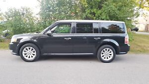 2010 Ford Flex SEL  P.Leather Heated seats,P.Sunroof Certified $