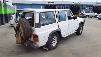 1990 Nissan Patrol, White  5Speed Manual  NOW DISMANTLING
