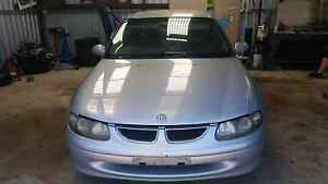 Wrecking vt berlina no motor or box Australind Harvey Area Preview