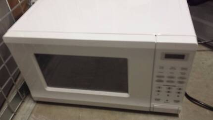 Microwave-Moving out sales! North Sydney North Sydney Area Preview