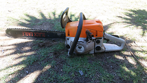 Black eagle 20inch chainsaw Ellenbrook Swan Area Preview