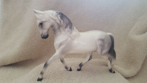 Hagen Renaker Spanish Horse Specialties Figurine Collect New Free Shipping 04050