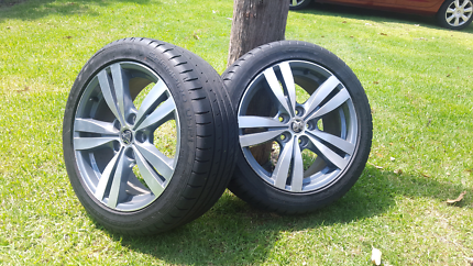 SV6 WHEELS AND TYRES