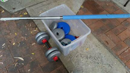 Set of weights + bar and dumbell
