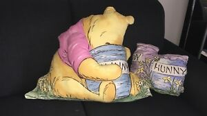 Winnie the Pooh pillow set