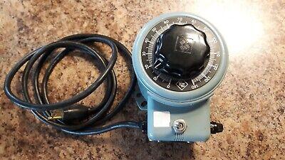 Powerstat Variable Autotransformer 3pn116b 0-140 Volt 10 Amp 120 V